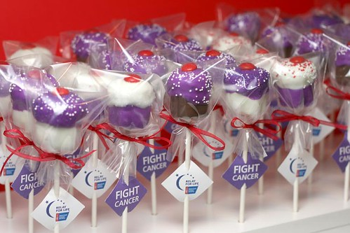 Cupcake Pops to Fight Cancer | by Bakerella