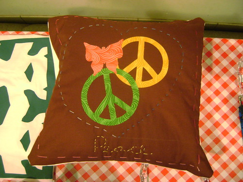Modern Craft Class - Applique Pillow | by Some Art Stuff