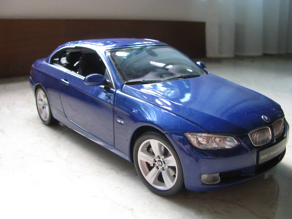Kyosho 1 18 Bmw 335i Convertible Blue Russels Garage Sale Flickr By
