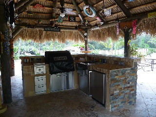 Thatch-Roof Outdoor Kitchen Florida | by Outdoor Kitchens & Living of Florida