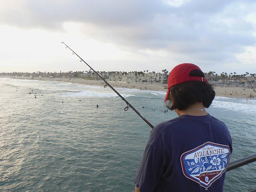 Jess fishing huntington beach pier doug milligan flickr for Huntington beach pier fishing