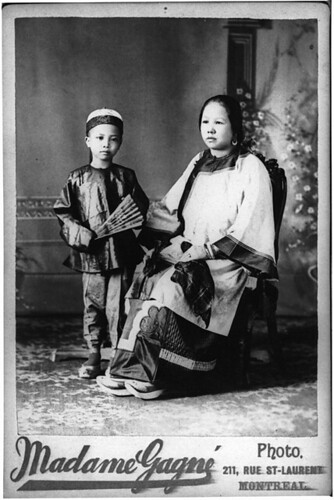 Mrs. Wing Sing and son, Montreal, QC, 1890-95 | by Musée McCord Museum