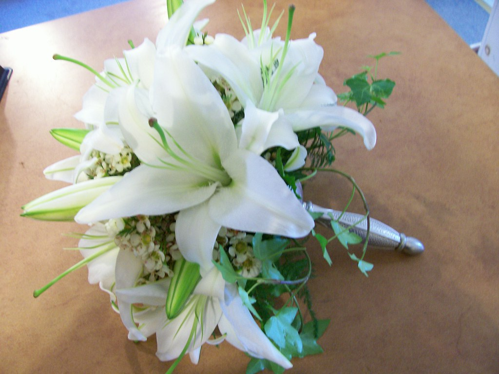 White Lily Bridal Bouquet White Lilies White Wax Flower A Flickr