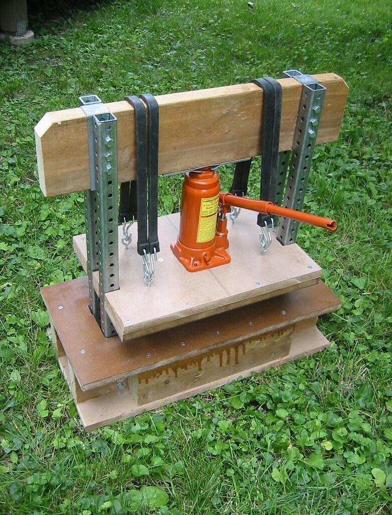 Design of bottle car jack -  Bottle Jack Press By Voxphoto