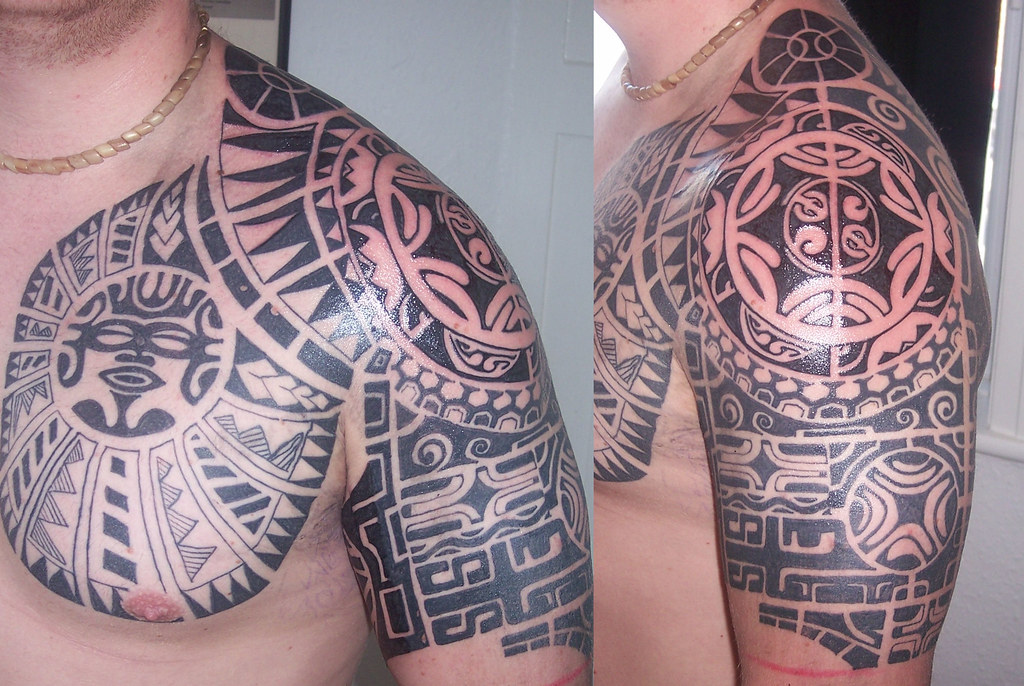 Tribal Shoulder Tattoo Complex Tattoo On The Shoulder And Flickr
