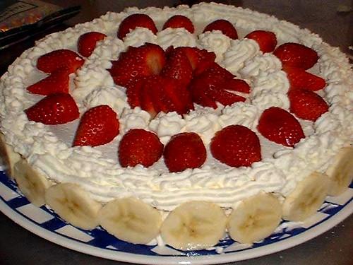 White Cake With Strawberries And Kiwi