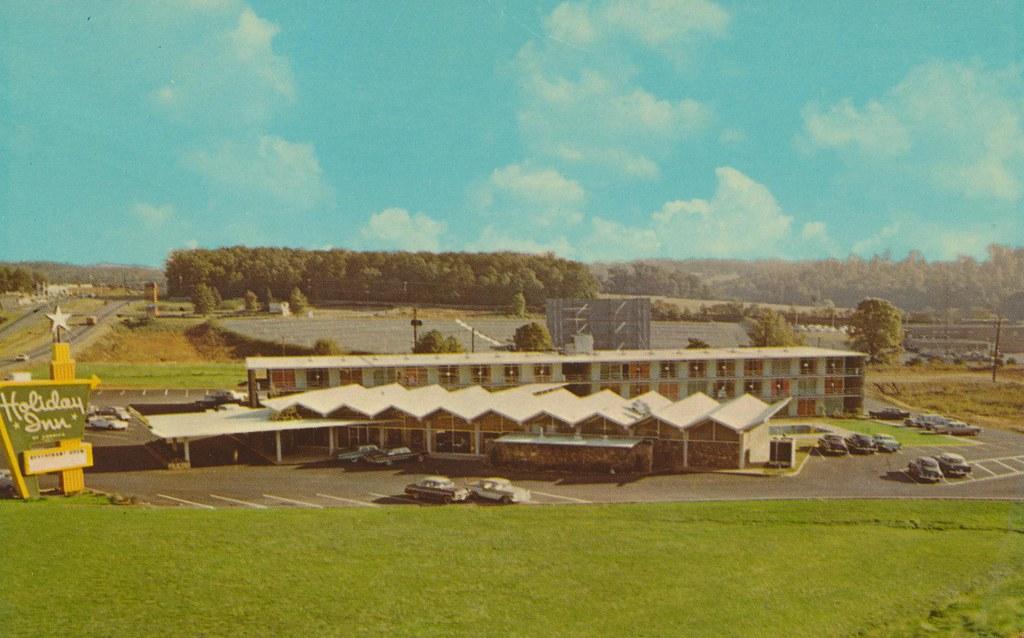 Holiday Inn - Charlottesville, Virginia