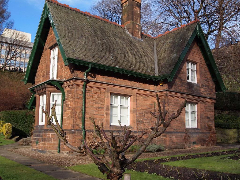 Greenskeepers Cottage, Princes Street Gardens, Edinburgh | Flickr