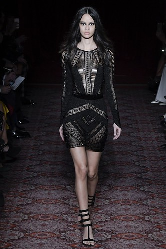 Julien Macdonald Fall 2017 Ready-to-Wear