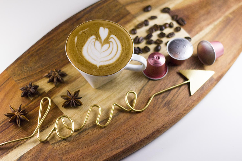 Creatista Studio Latte Art Flatlay