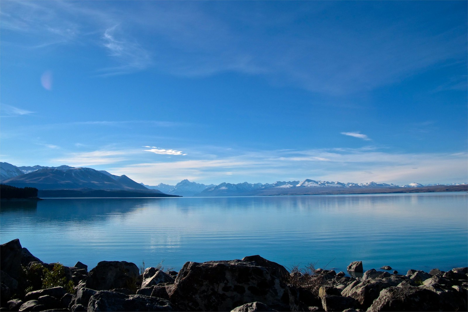 Amazing Crystal Clear Blue Color Of Pukaki Lake