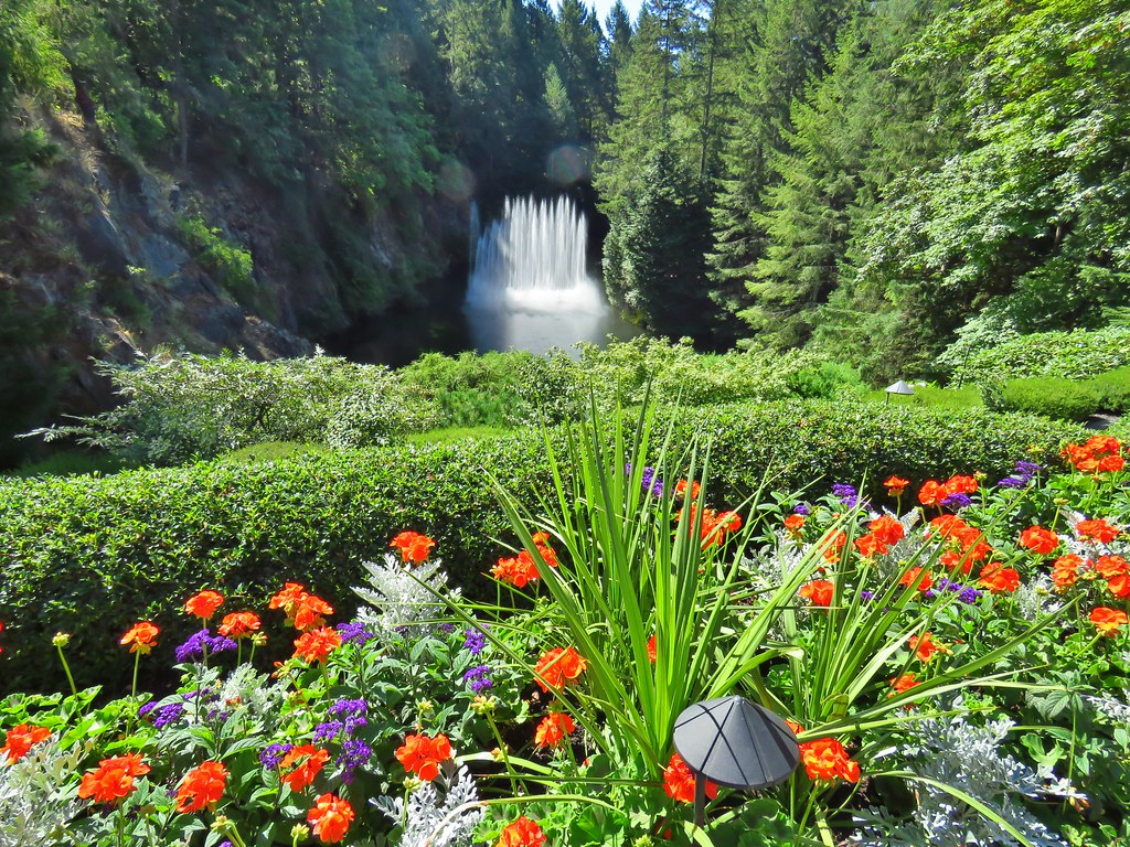 Great ... Ross Fountain, Butchart Garden, Brentwood Bay, BC | By Snuffy