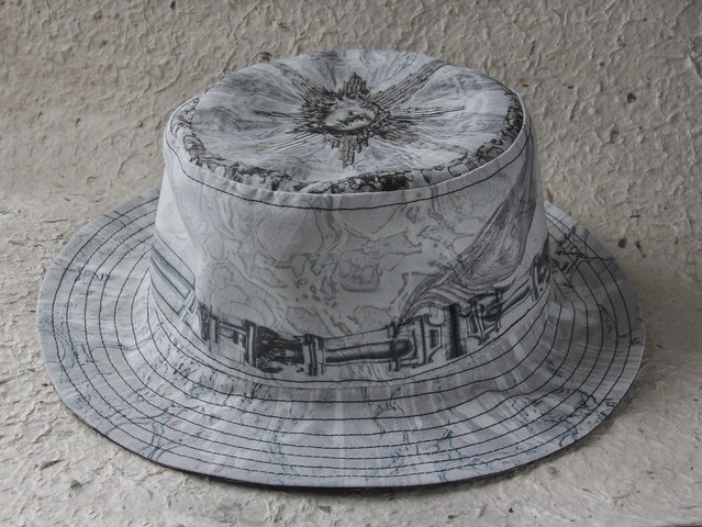 Reversible canvas hat with my original prints