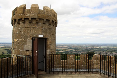 Broadway Tower – The Highest Little Castle in The Cotswolds | by Dave Catchpole