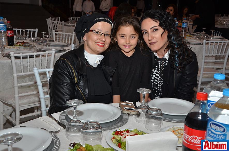 Pınar Yılmaz, Lale Yılmaz, Deva Su Yılmaz