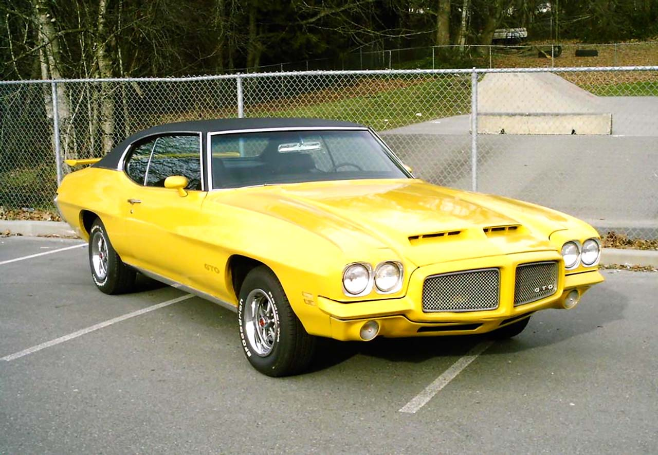 20 Classic & Badass Muscle Cars That Will Never Get Old #16: Pontiac GTO (1971)