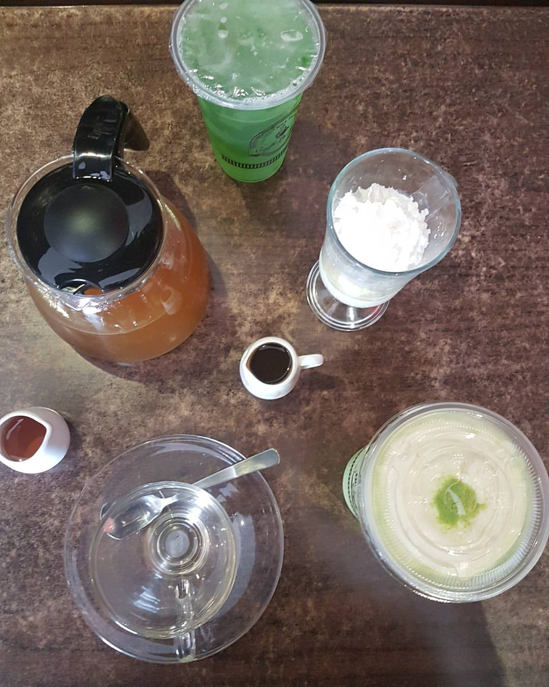Taking a break w/ Caffe La Tea selections of drinks - matcha, lenon grass, affogato, frappe and so much more to choose.