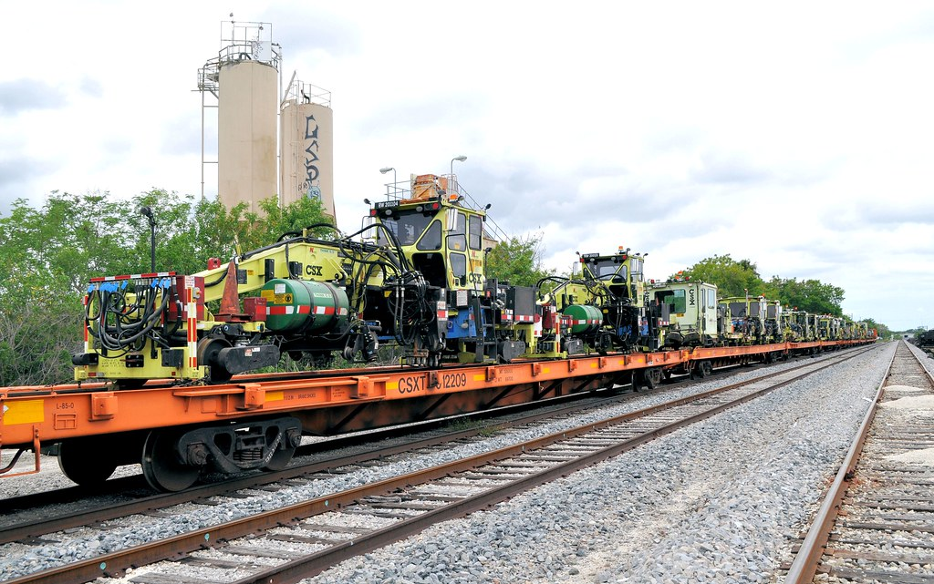 File:Mow train kingston2.jpg - DARwiki