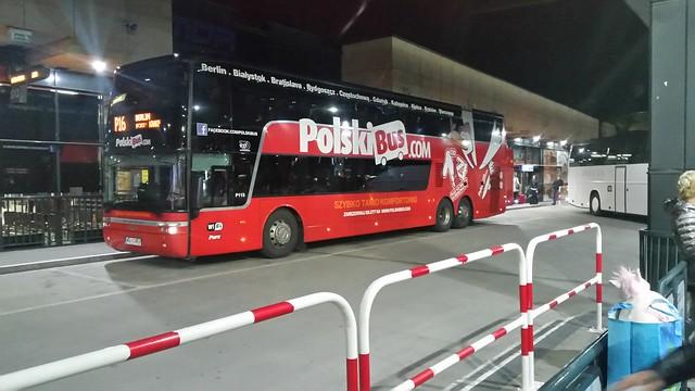 Többször utaztunk már a Polski busszal. Olcsó és hatékony.