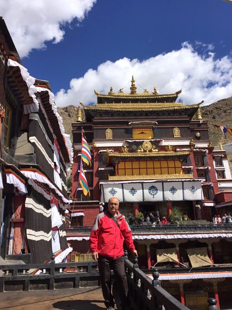 Luo Wenhua at Tashi Lhunpo Monastery in Shigatse, which was founded in 1447 by the 1st Dalai Lama. From Luo Wenhua