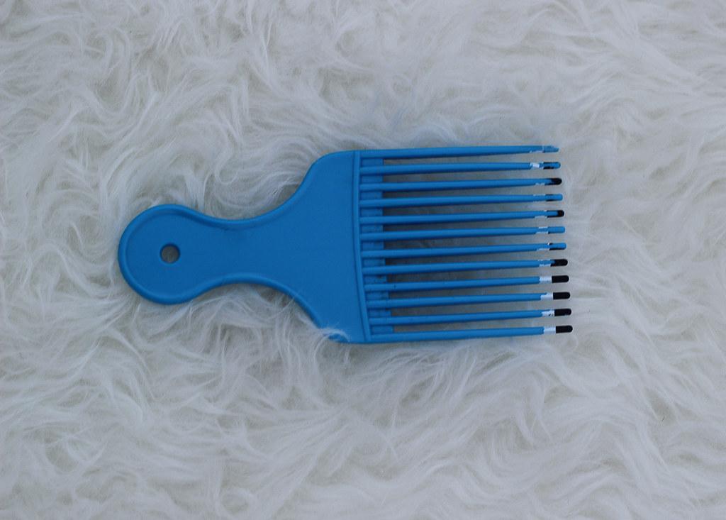 Blue Hair Pick