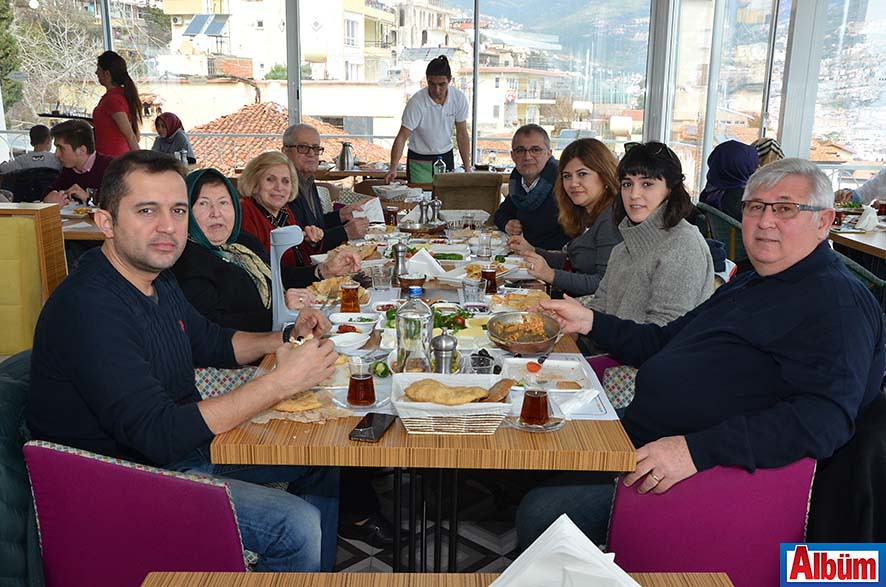 Zeytin Dalı Pazar Kahvaltı1