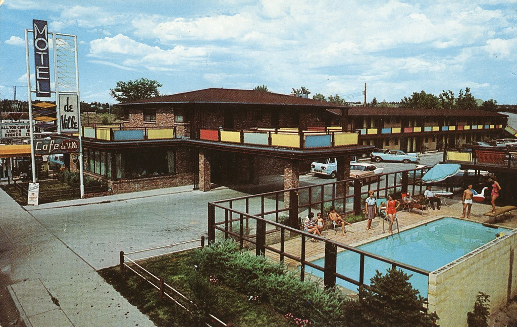 Motel de Ville - Colorado Springs, Colorado