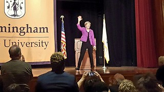 Senator Warren waves to the crowd
