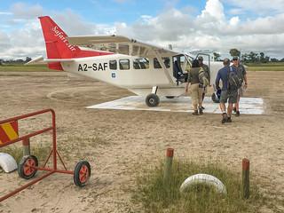 Buschflieger für July und Ian am Kanana Airstrip