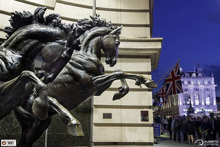 Horses and Flags at Piccadilly Circus | by Alesfra
