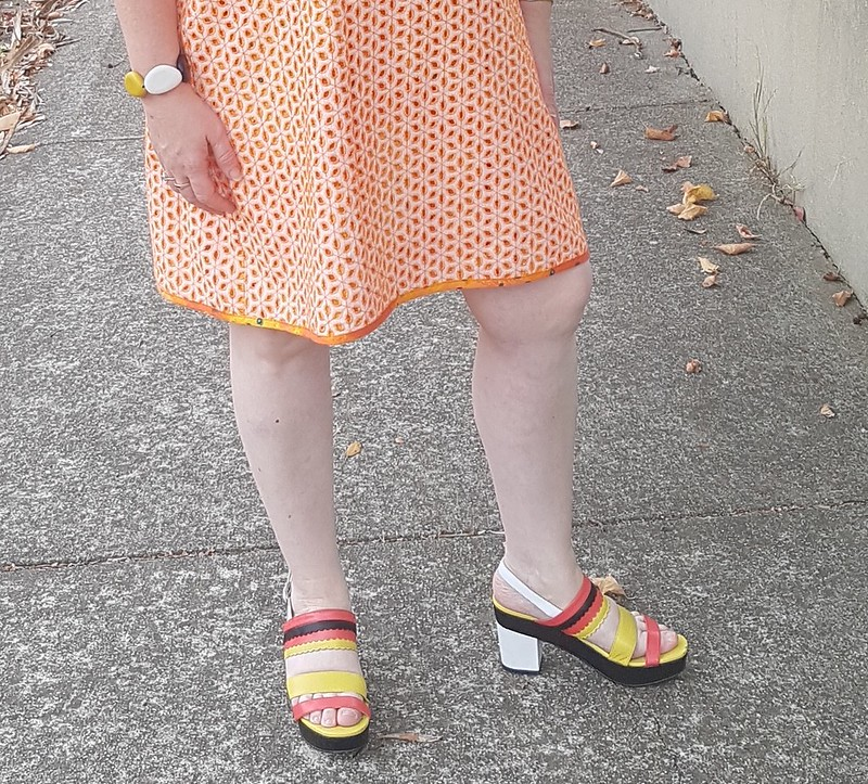 DCF Summer Challenge Style Arc Mary shift dress in broderie anglaise from Darn Cheap Fabrics