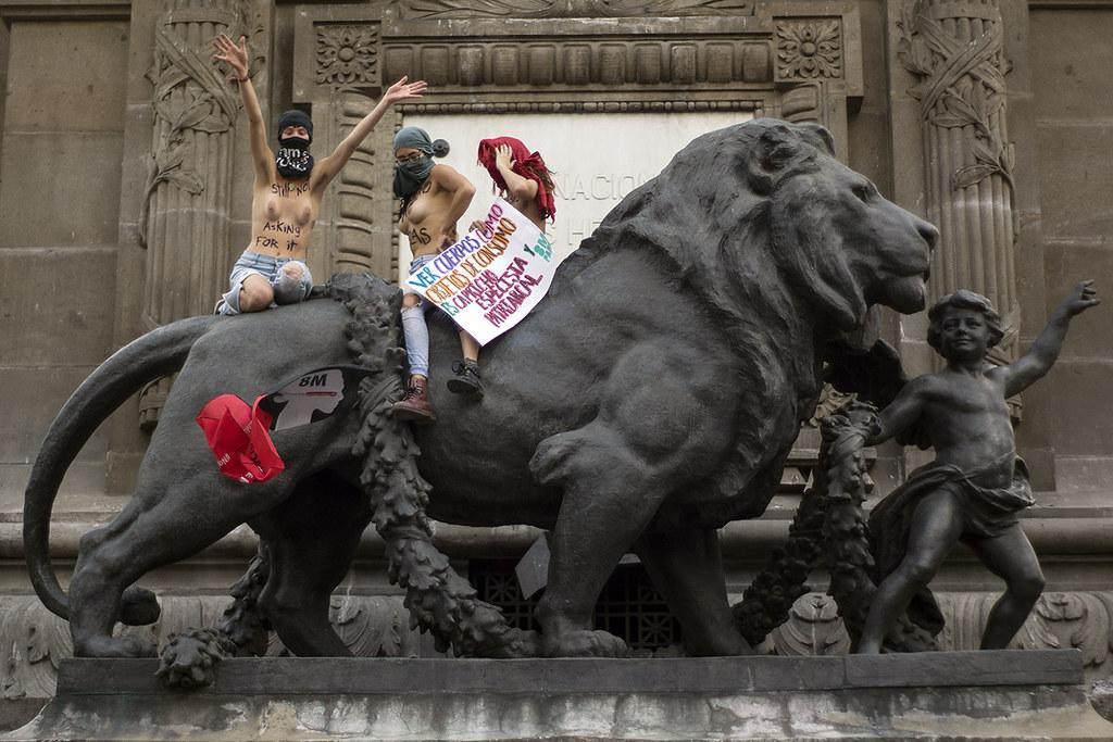 Foto: Mario Marlo/Somoselmedio.org. Cientos de mujeres realizaron un paro el día Internacional de la Mujer en la CDMX.