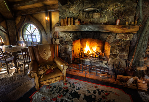 Inside the Green Dragon in Hobbiton | Here is a rather ...