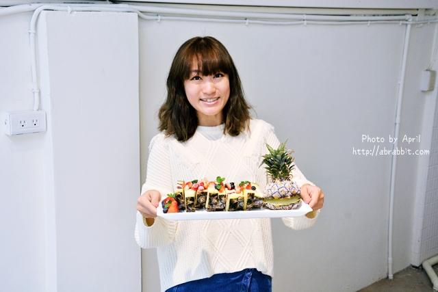 台中甜點|Ken Food啃食物–必點超吸睛的鳳梨水果起司蛋糕、哈密瓜起司蛋糕!@西區 華美街