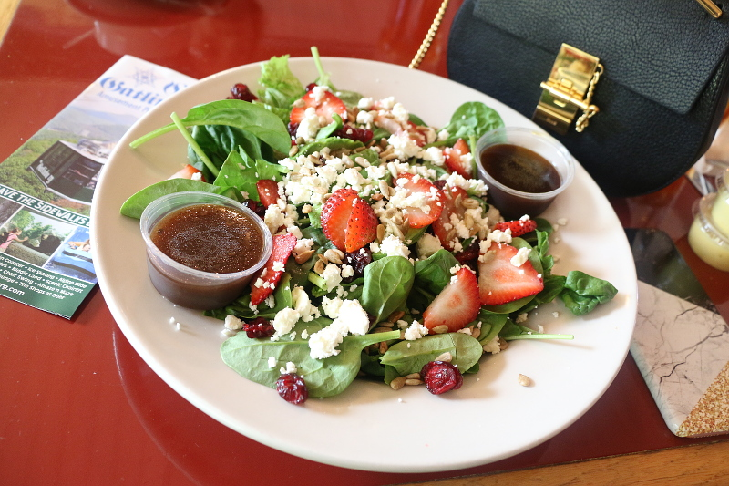 ober-gatlinburg-restaurant-strawberry-salad
