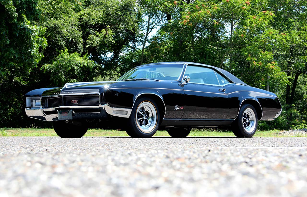 20 Classic & Badass Muscle Cars That Will Never Get Old #7: Buick Riviera (1966)
