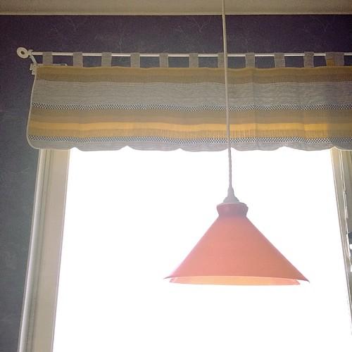 黄色カーテン
