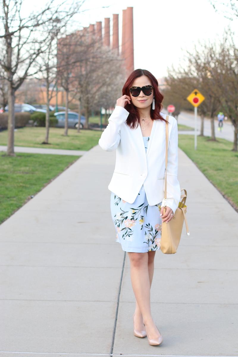 white-blazer-floral-dress-naturalizer-pumps-8