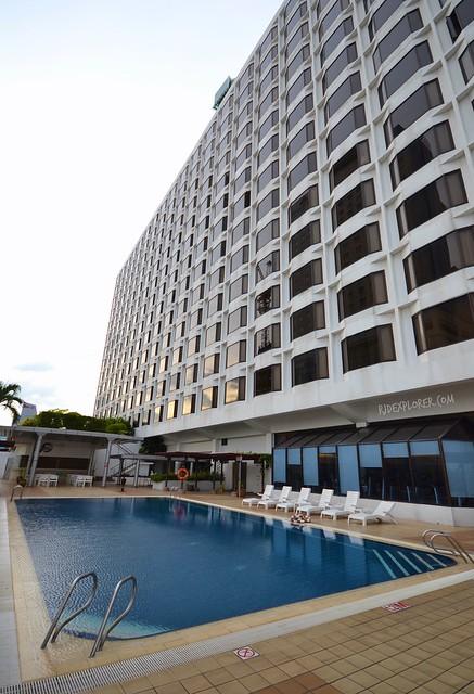 hotel jen penang swimming pool