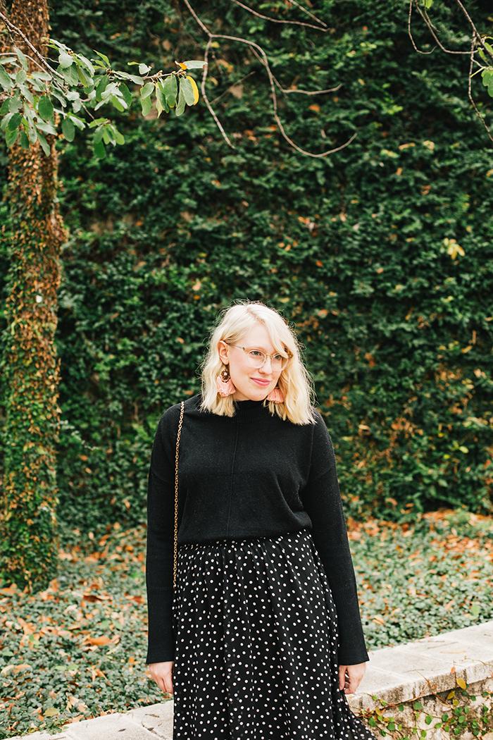 austin style blogger black turtleneck black midi skirt5