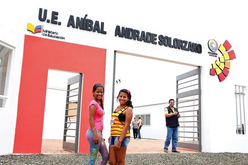 Inauguración U.E. Siglo XXI Anibal Andrade Solorzano del cantón Chone