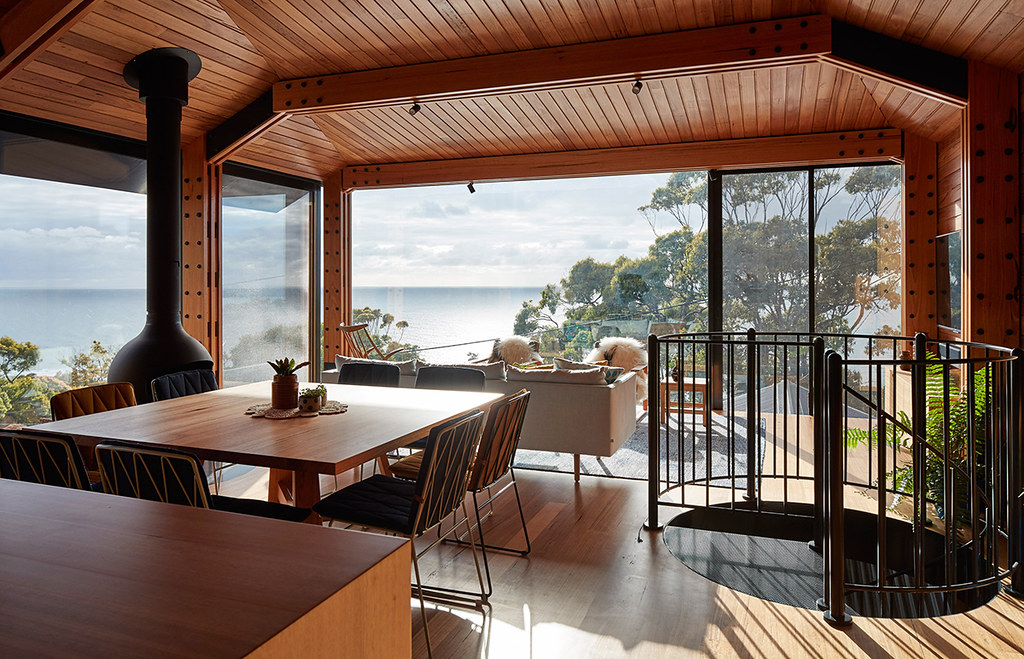 House on stilts design by Austin Maynard Architects in Australia Sundeno_04