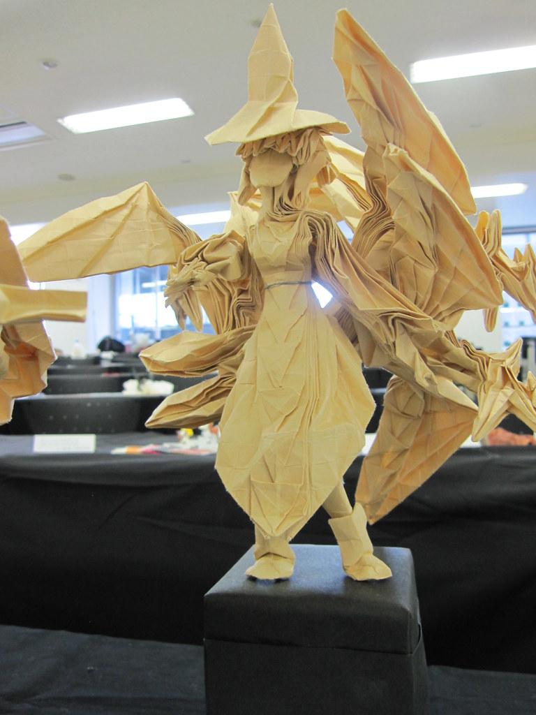 Origami Witch By Kariyazono Kango