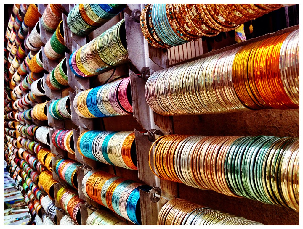 stock shop a in image people photos images at northern photo alamy bangle india two bangles pushkar