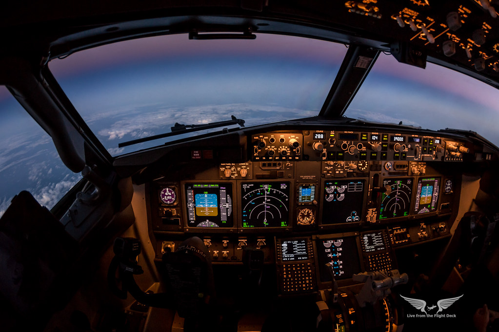 737 cockpit as cruising at fl390 as the sun slips beneath flickr