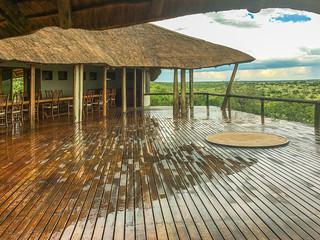 Terrasse im Tau Pan Camp Zentralbereich