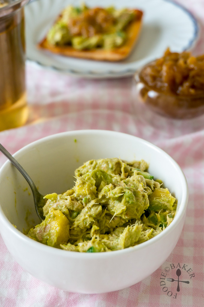 Creamy Avocado and Tuna Spread / Dip