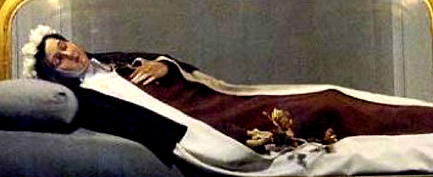 Carmelita descalza muerta