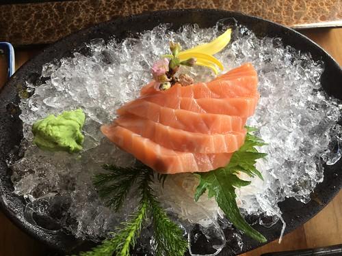 Inagiku,  salmon sashimi