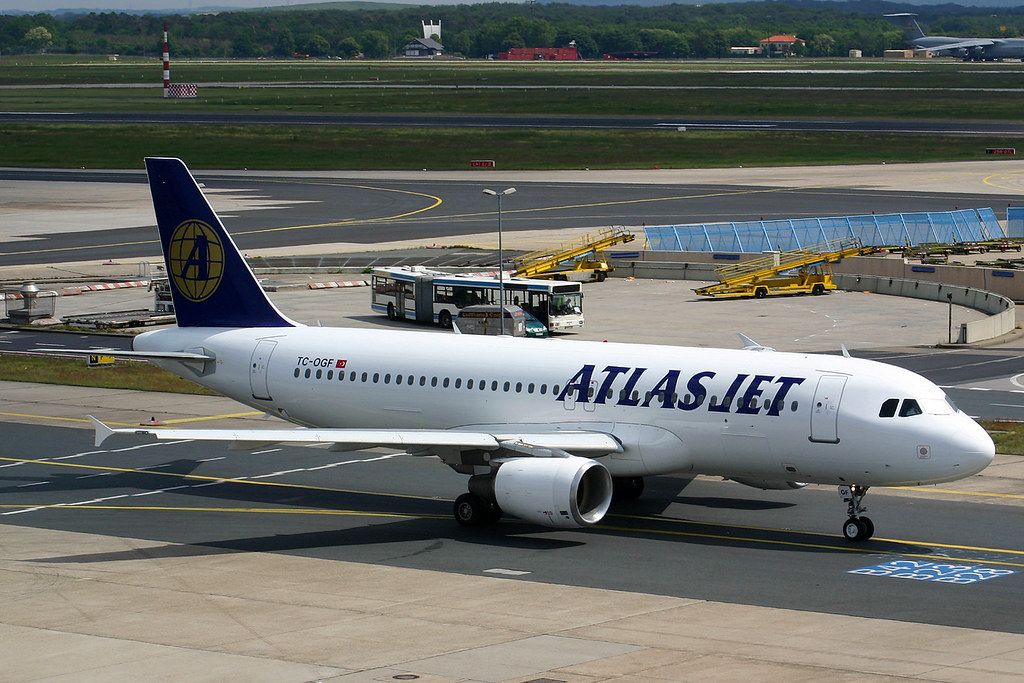 TC OGF, A320-214, cn 978, Atlas Jet, FRA 270504, adj